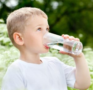 Keeping Kids Hydrated During Summer Months